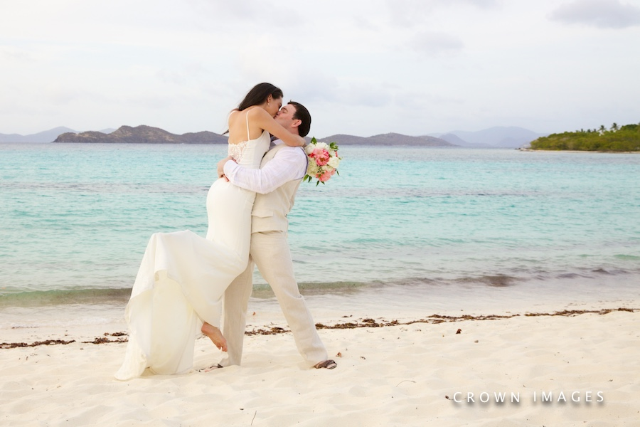 lindquist bay beach wedding photos by crown images