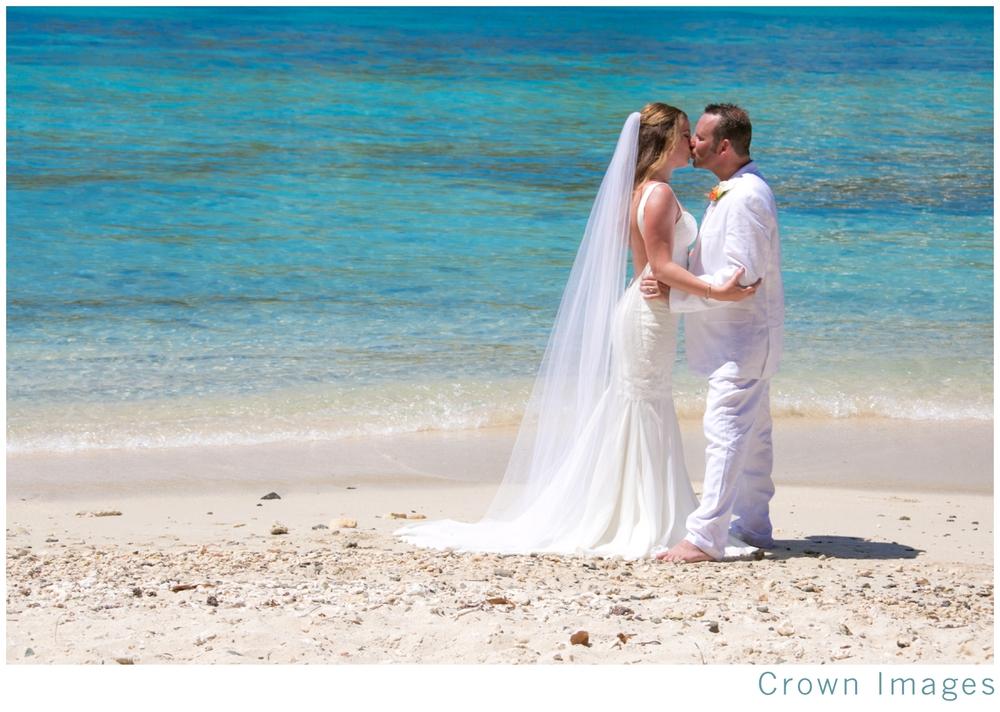 wedding-photos-st-thomas-secret-harbour-beach_1065.jpg