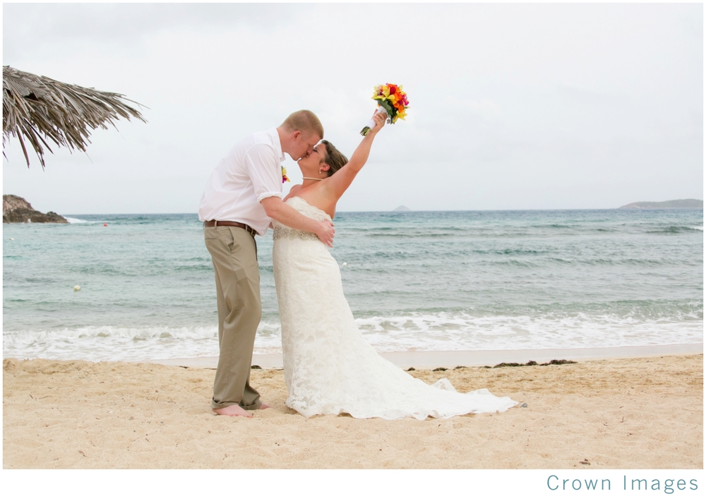 wedding photos at bolongo bay beach resort_1554.jpg