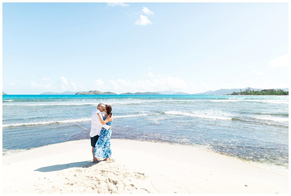 st-thomas-beach-engagement-photos