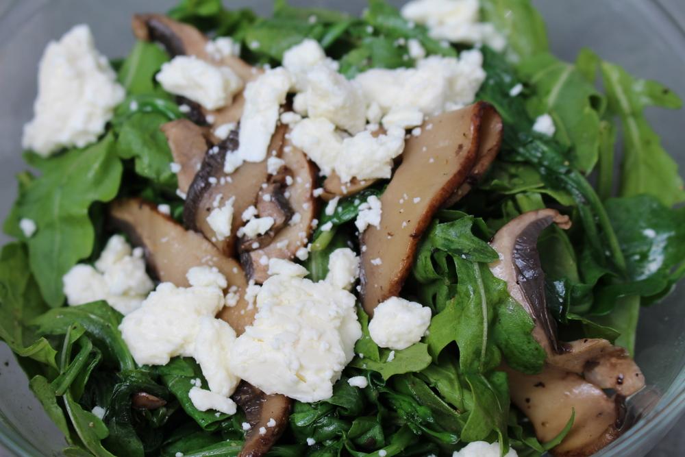 arugula-mushroom-feta-salad