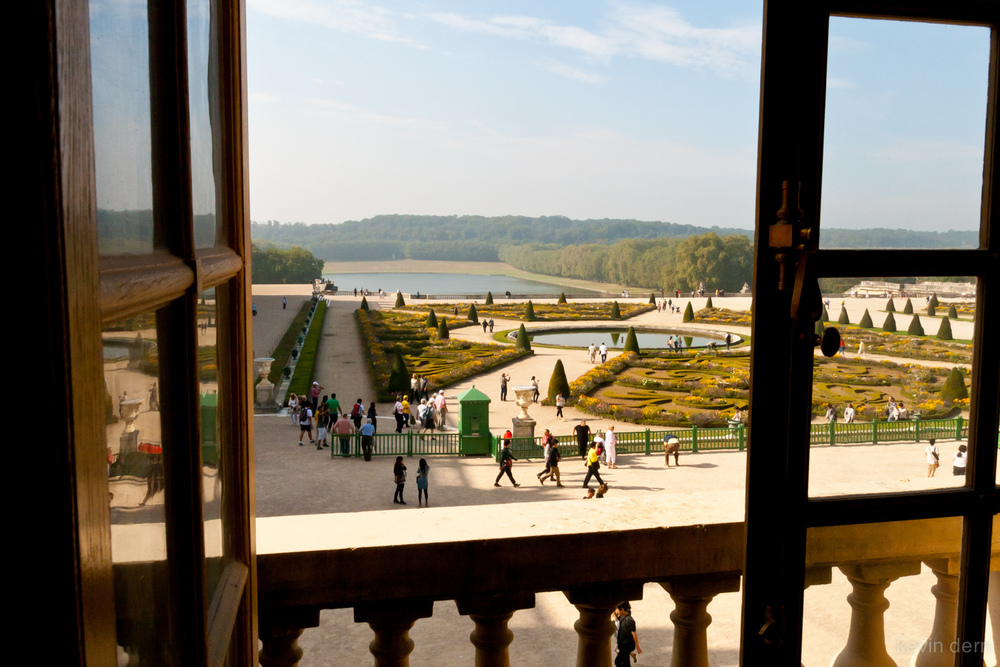 Versailles - view of terrace garden from the Chateau.jpg