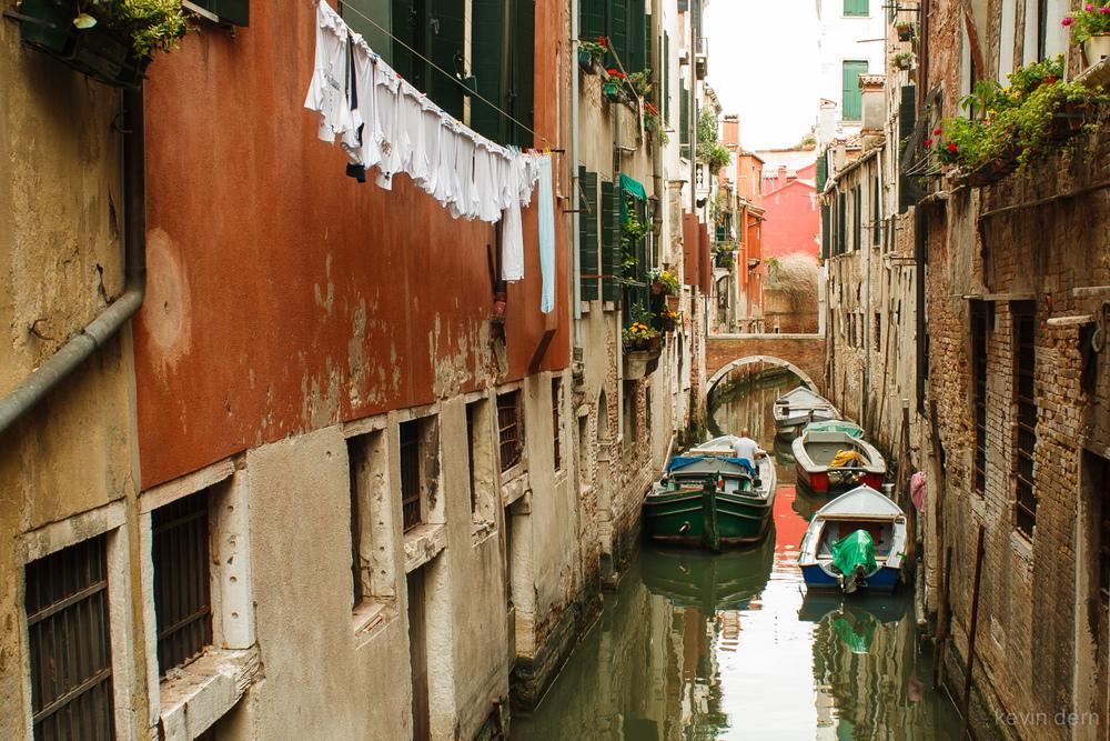 Venice canal 4 - 01.jpg