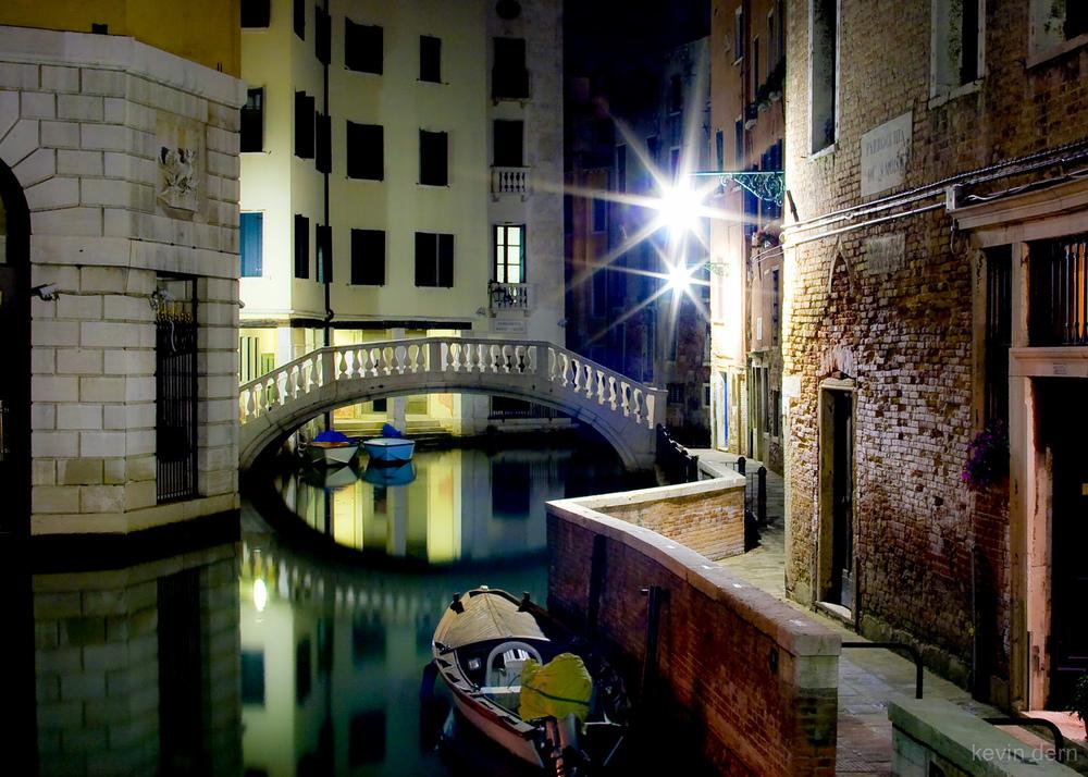 Venice - night - canal - 04-Edit.jpg