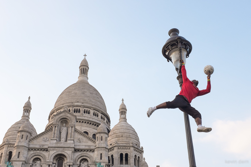 Soccer player performing at Sacre Coeur-2.jpg