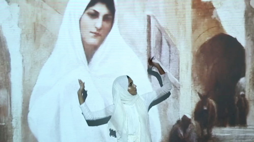 Azzah Sultan, Oriental Woman, 2016