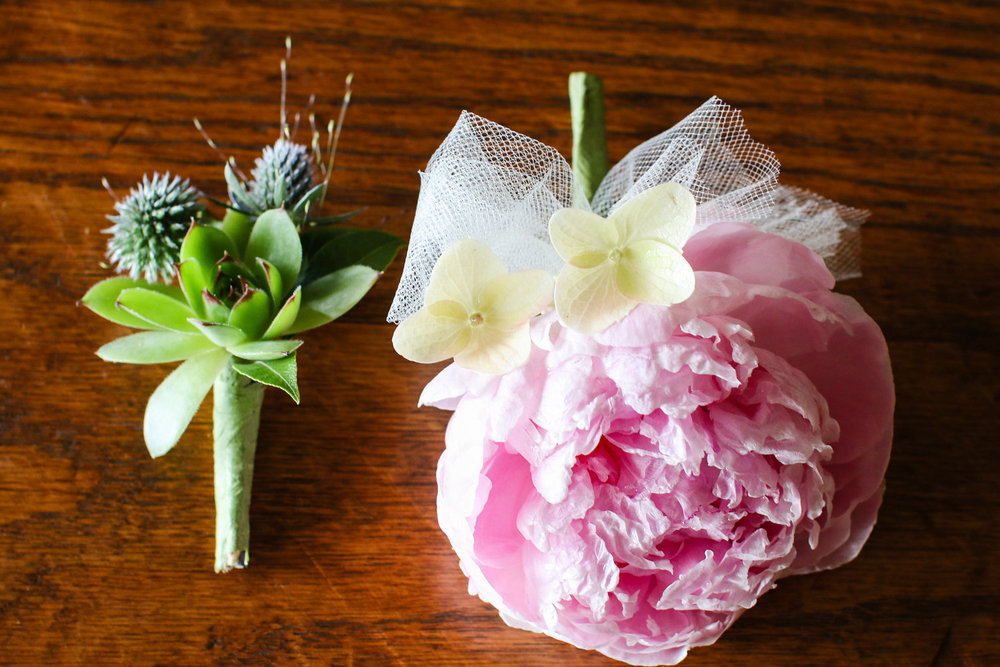 Succulent and peony bouts