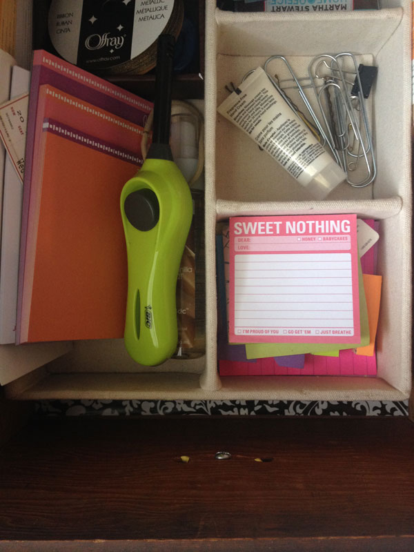 5Inside-drawer-(office-supplies).jpg