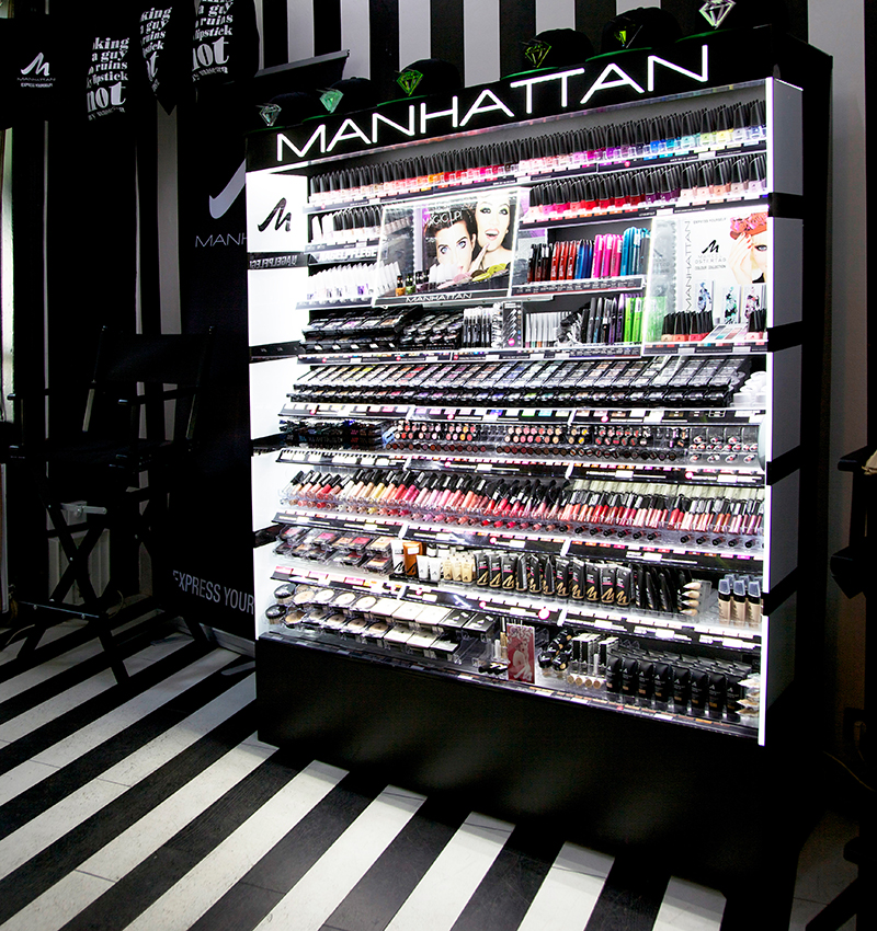manhattan cosmetics pop up store berlin werbewelt werbeagentur stuttgart m nchen new york. Black Bedroom Furniture Sets. Home Design Ideas