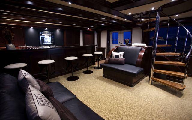 Y51303 bar-lounge 2.jpg