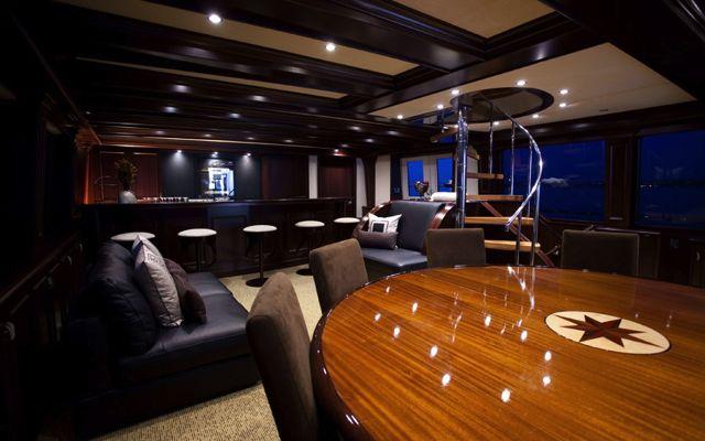 Y51303 bar-lounge.jpg