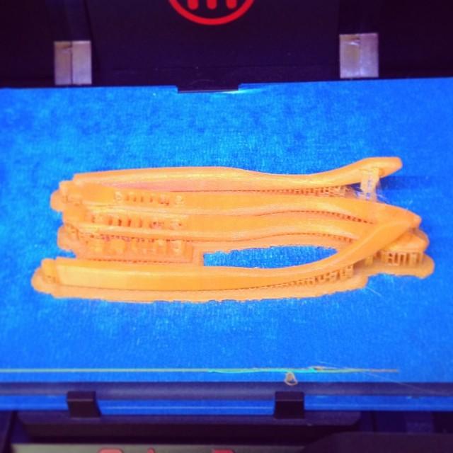 Printing sunglasses parts, in 'Orange Tang'. #splin3essentials #pla #3dprinting #splin3 #2.0eyewear