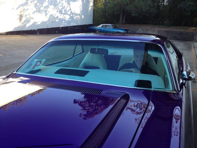 Dodge Challenger Ol School Garage Australia (2).jpg