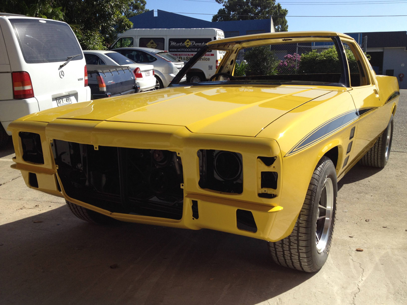 1976 HJ Holden Kingswood Sandman ol school garage restoration (20).jpg