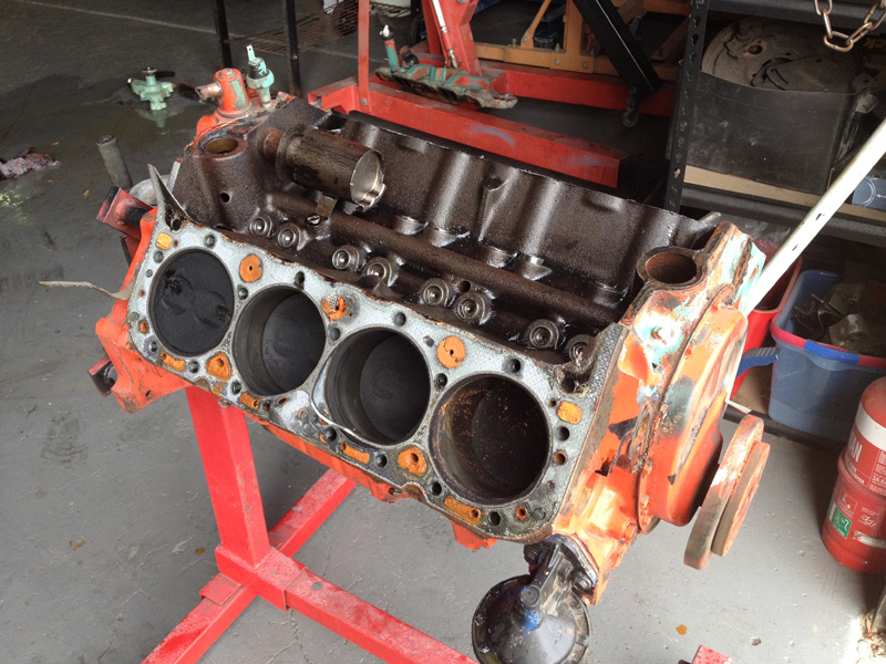 small block chev rebuild 293ci ol school garage (12).jpg