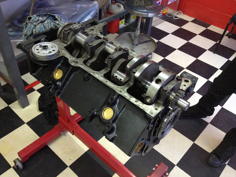 small block chev rebuild 293ci ol school garage (1).jpg