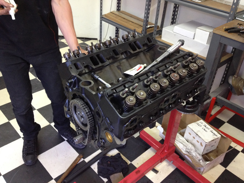 small block chev rebuild 293ci ol school garage (3).jpg
