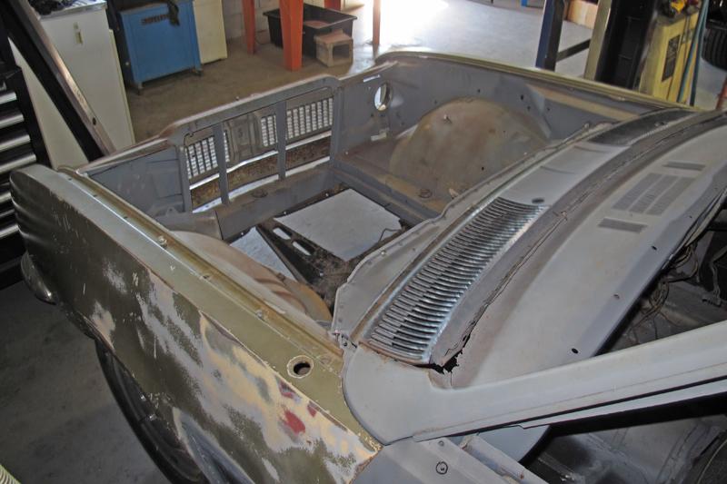 1970 Holden HG Monaro GTS - Ol' School Garage - Restoration (11).jpg