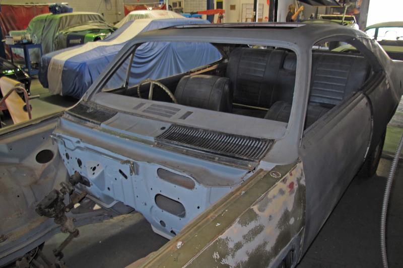 1970 Holden HG Monaro GTS - Ol' School Garage - Restoration (13).jpg
