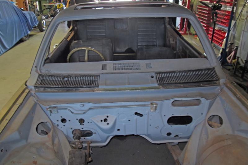1970 Holden HG Monaro GTS - Ol' School Garage - Restoration (14).jpg