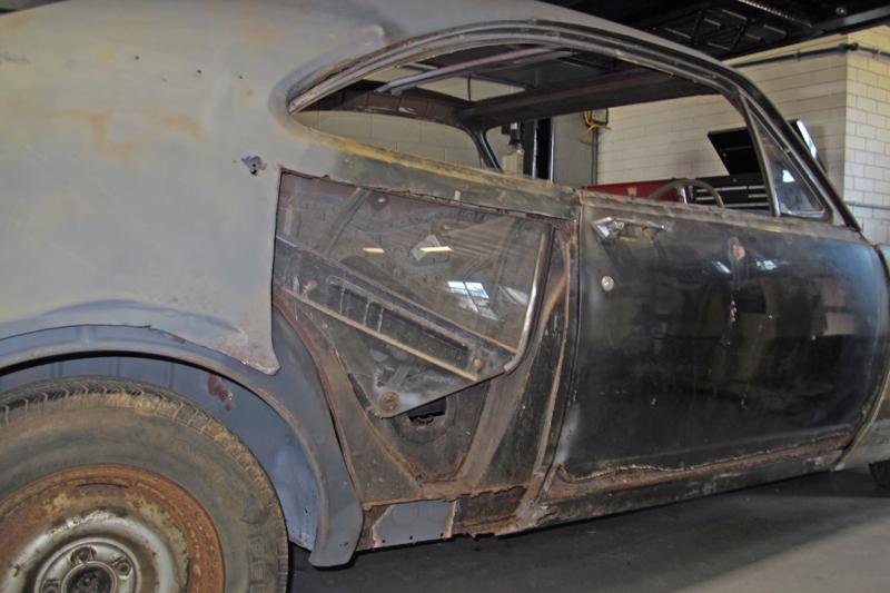1970 Holden HG Monaro GTS - Ol' School Garage - Restoration (18).jpg