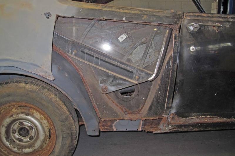 1970 Holden HG Monaro GTS - Ol' School Garage - Restoration (26).jpg