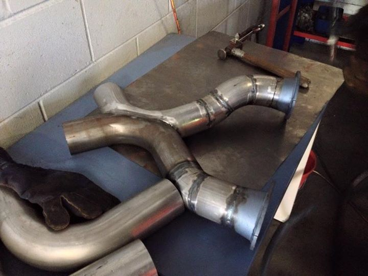 Falcon XE custom exhaust fabrication - ol' school garage (3).jpg