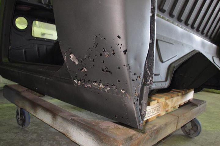 HJ 1 tonner - Restoration - Cab (1).jpg
