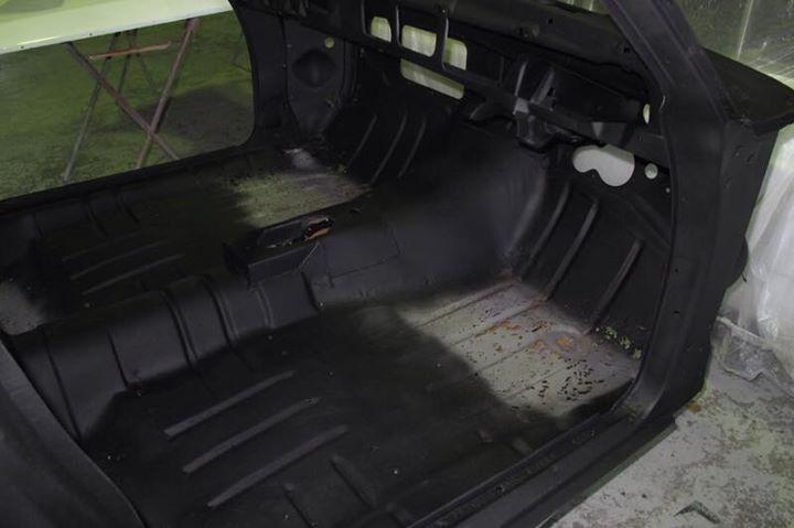 HJ 1 tonner - Restoration - Cab (4).jpg