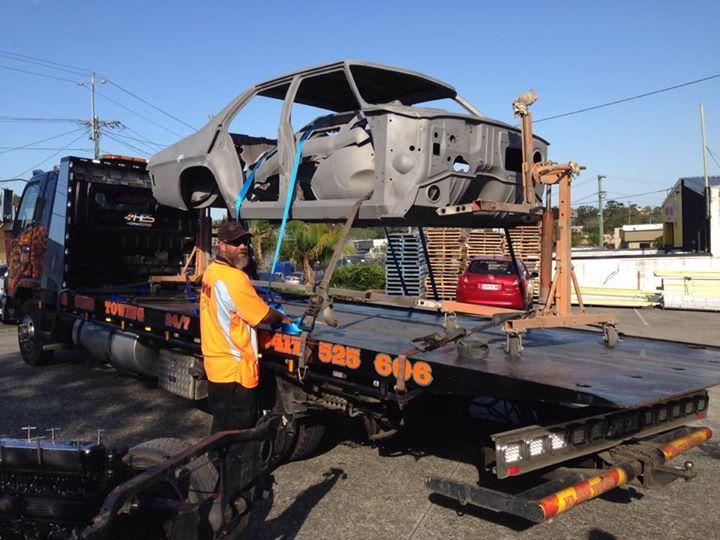Sandblasting HQ Holden - Restoration  - Ol' School Garage (3).jpg
