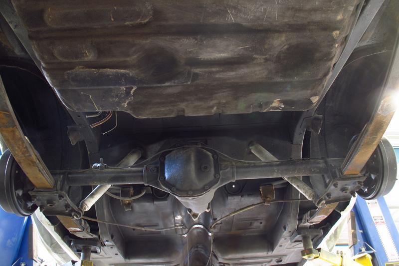 Ford Fairlane Restoration - Ol' School Garage (17).jpg