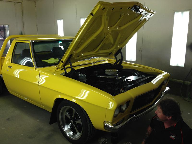 Holden HJ 1 tonner ute - restoration (8).jpg