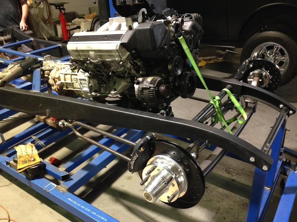 ol' school garage 32 ford hot rod build (6).jpg