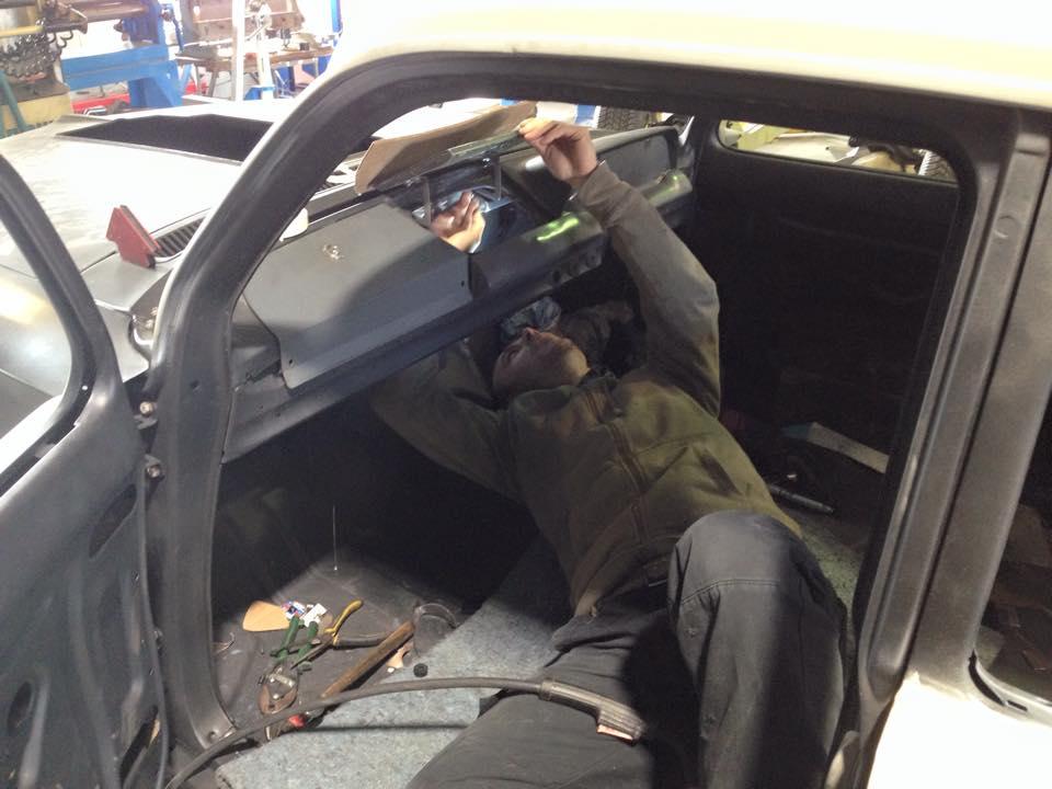interior dash modification holden eh.jpg