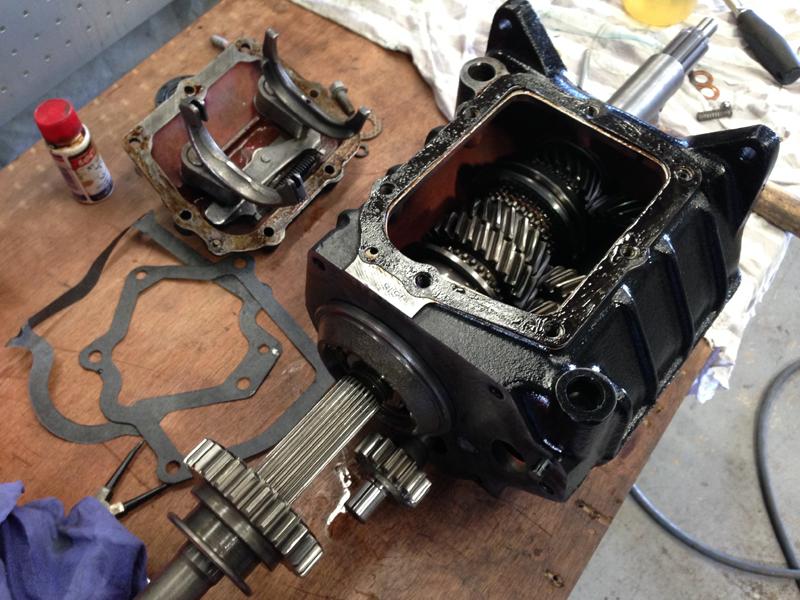 HJ 253ci V8 M21 Holden (7).jpg
