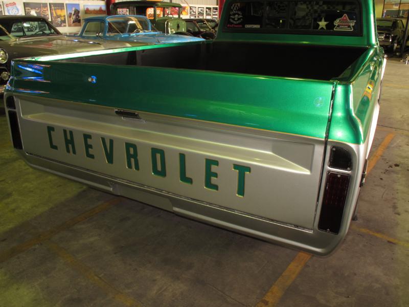 1972 Chevrolet C10 Pickup (3).jpg
