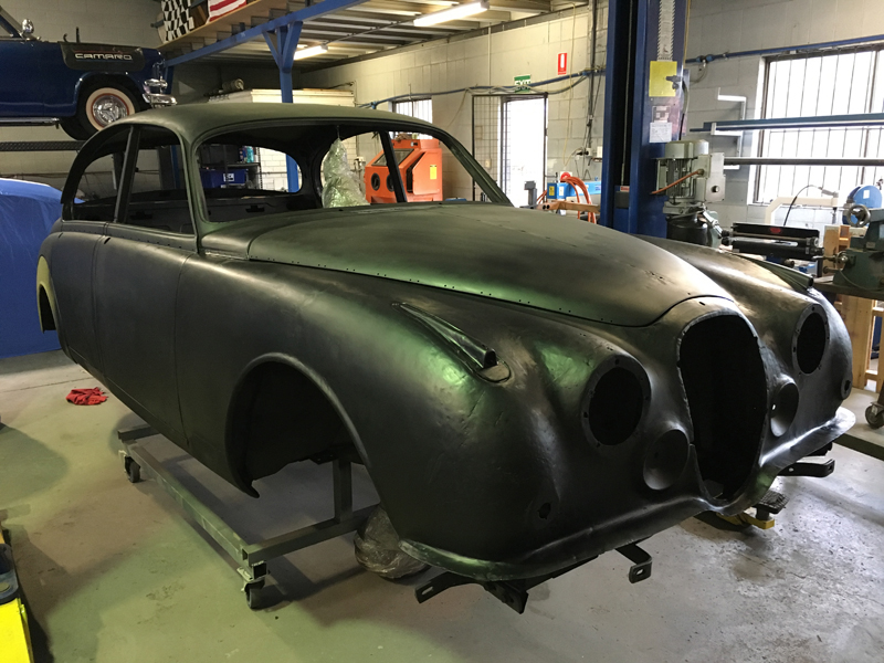 Jaguar Mk 2 restoration - Rust Repair (18).jpg