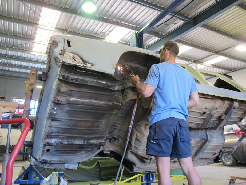 HQ Holden Restoration Rebuild Project (48).jpg