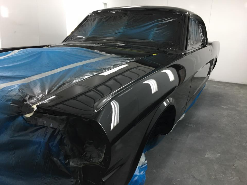 1965 Ford Mustang Fastback freshly painted - ol' school garage (3).jpg