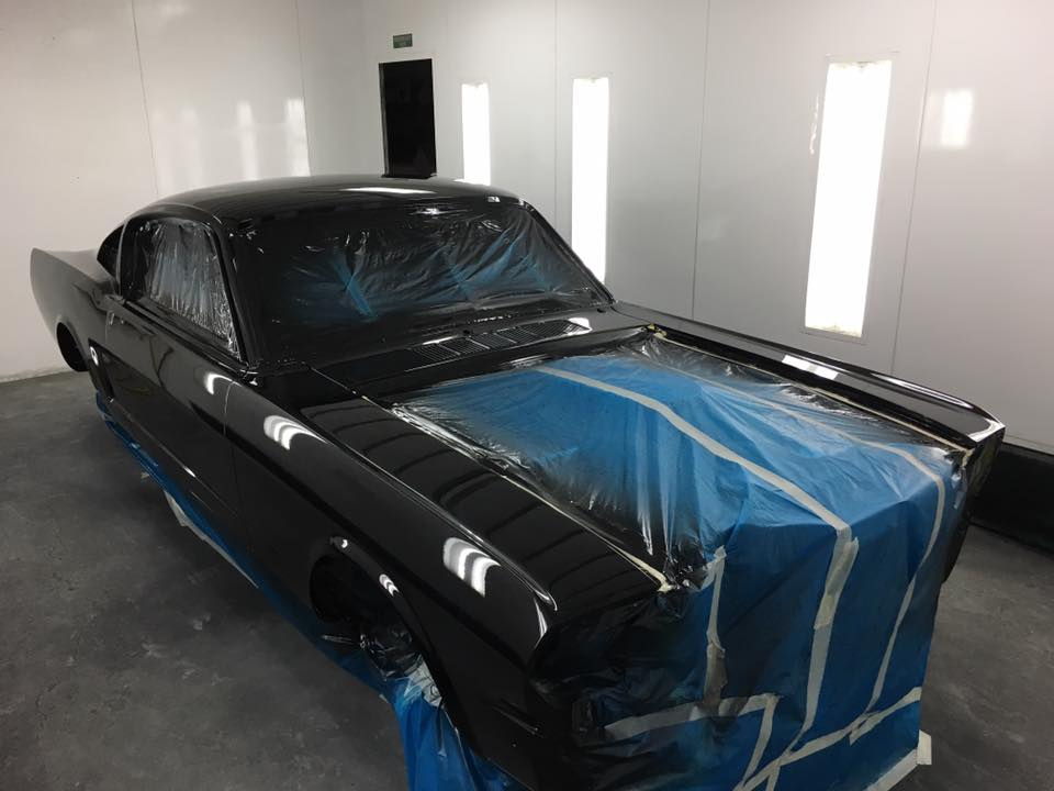 1965 Ford Mustang Fastback freshly painted - ol' school garage (2).jpg