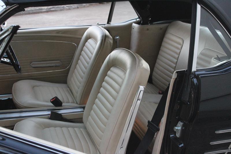 Restored 1966 Ford Mustang Convertible - Ol' School Garage - Brisbane Australia (28).jpg