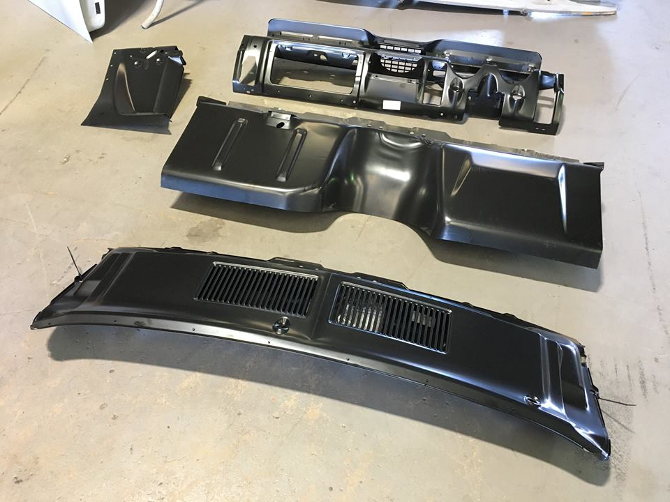 The RHD conversion kit ready for installation. The conversion kit comprises five panels (the fifth panel is under the wiper cowl panel). Some factory holes will be filled and factory creases removed during the installation process.
