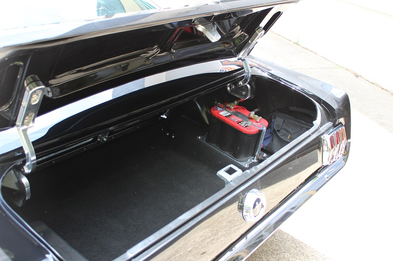 Ford Mustang 1965 Fastback Black - Ol' School Garage (7).JPG