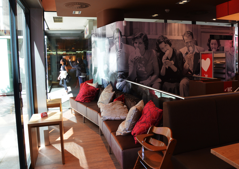 6_lounge.jpg