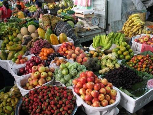 Diverse and abundant Guatemalan fruit