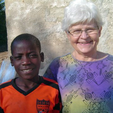 Nancy+Warlick+and+Mate+Junior,+who+experiences+the+love+of+Jesus+at+Namumu+Orphanage+Center+in+Zambia.jpg