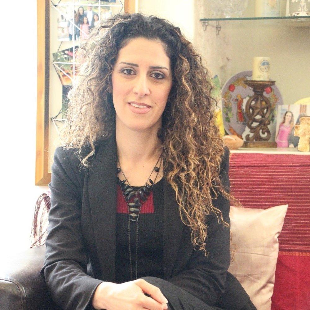 Dr. Madleine Sara