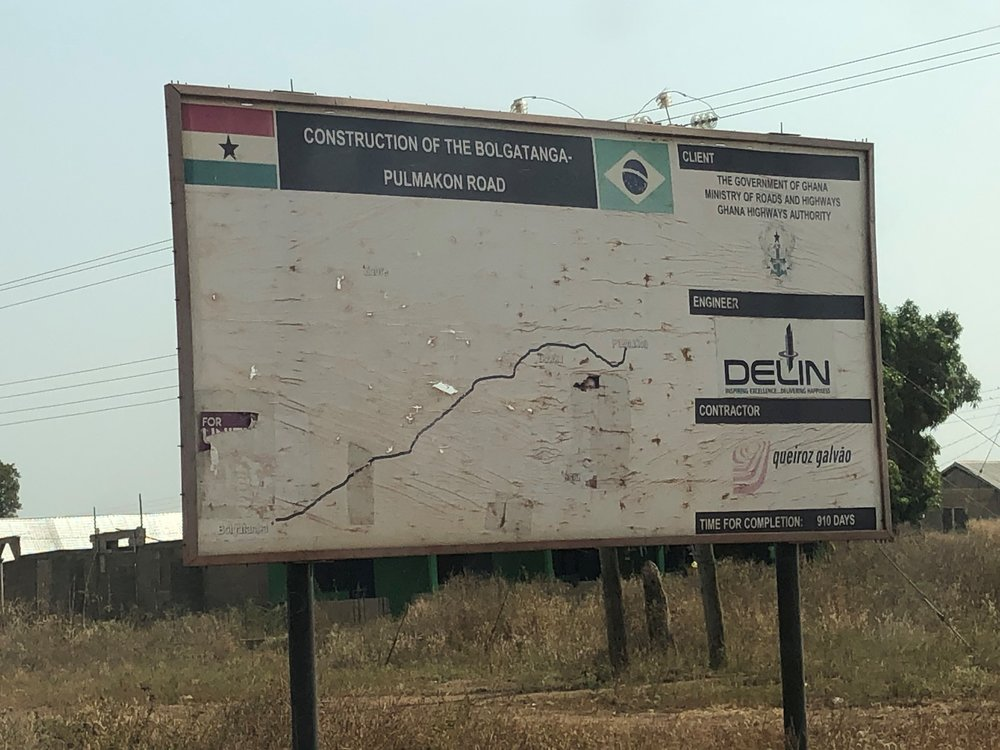 A road that is being custructed i collaboration with a Brazilian contractor company