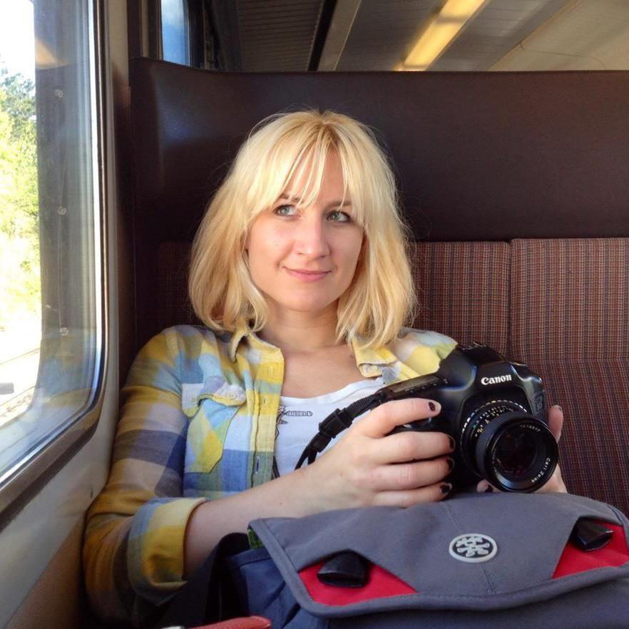 katarina hybenova on a train.jpg