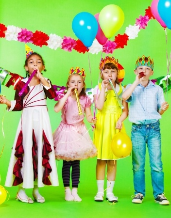 Image credit: <a href='http://www.123rf.com/photo_11205242_children-group-with-birthday-blow-outs.html'>anatols / 123RF Stock Photo</a>